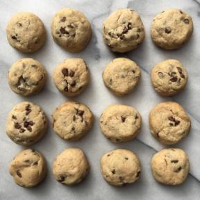 Paleo & Egg Free Chocolate Chip Cookies