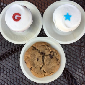 Gluten-free cupcakes and cookie from Sprinkles Cupcakes