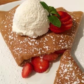 Gluten-free strawberry crepe from Smorgas Chef