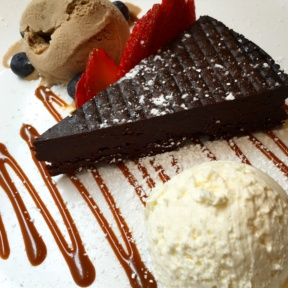Flourless chocolate cake from Smorgas Chef