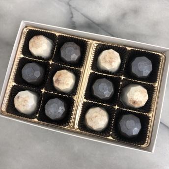 Gluten-free cake truffles from Mini Melanie