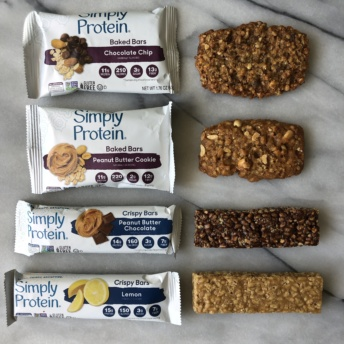 Gluten-free baked bars and crispy bars by SimplyProtein