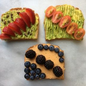 Gluten-free Avocado and Cashew Cheese Toasts