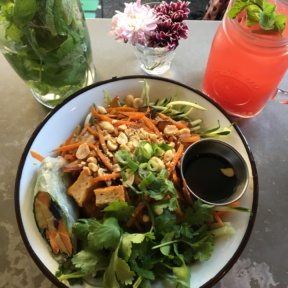 Gluten-free salad and cocktail from BoCaphe
