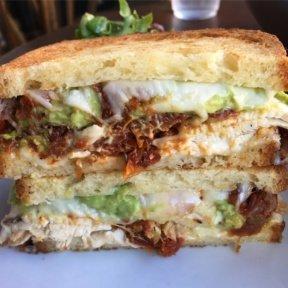 Gluten-free chicken sandwich from Comoncy