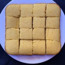 Gluten-free Cornbread with 16 slices
