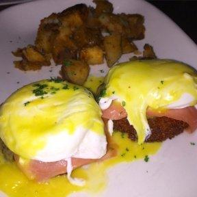 Gluten-free eggs Benedict from Cuba