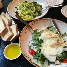 Gluten-free salads and bread from Felice