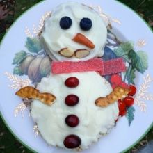 Gluten-free Healthy Snowman with yogurt