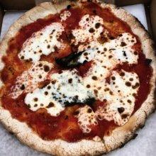 Gluten-free Margherita pizza from Keste