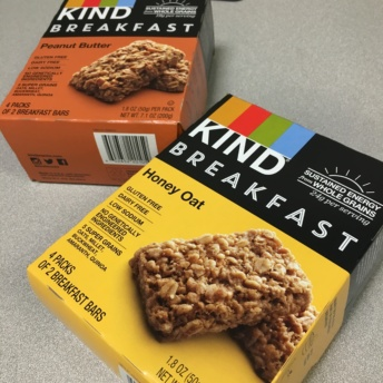 Gluten-free breakfast bars by KIND