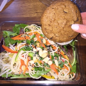 Gluten-free noodles and cookie from Liquiteria