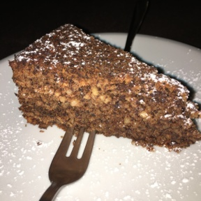 Gluten-free cake from Mama Eat!