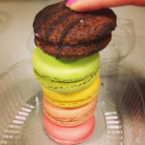 Gluten-free macarons from Mangia