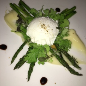 Gluten-free asparagus with burrata from Mediterraneo Restaurant