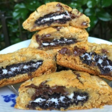 "Gluten-free ""Oreo"" stuffed cookies with Glutino cookies"
