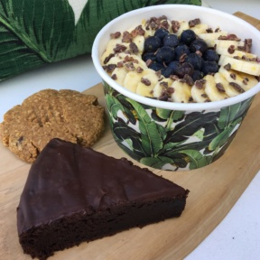 Gluten-free acai bowl with baked goods from Rawberri