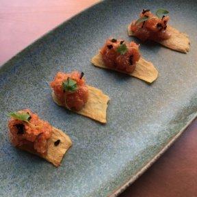 Gluten-free tuna on chips from Tavo