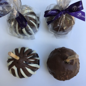 Gluten-free chocolate caramel apples by Mrs. Prindables