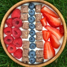 Gluten-free Yogurt Bowl with Oats Bar