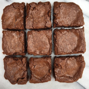 9 gluten-free brownies with peanut butter cups