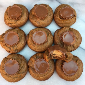 10 Peanut Butter Cup Cookies