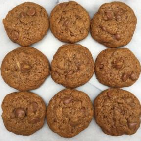 Gluten-free Flourless Chocolate Chip Cookies