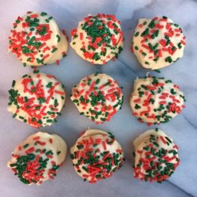 Vegan Christmas Sugar Cookie Truffles