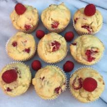Gluten-free Raspberry Muffins with extra raspberries