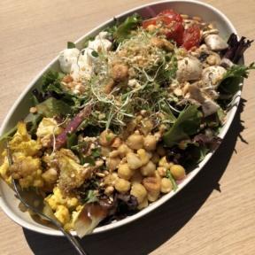 Gluten-free Cauil-Power salad from Beefsteak