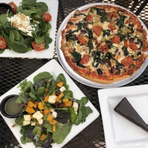 Gluten-free lunch at Pete's New Haven Style Apizza