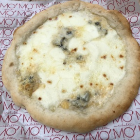 Gluten-free four cheese pizza from Ribalta Mo