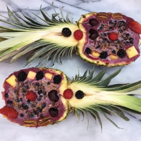 Gluten-free Smoothie in Pineapple Boats