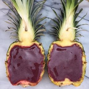 Gluten-free vegan Smoothie in Pineapple Boats