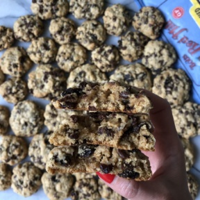 Chocolate Chip Oatmeal Raisin Cookies using Bob's Red Mill oats