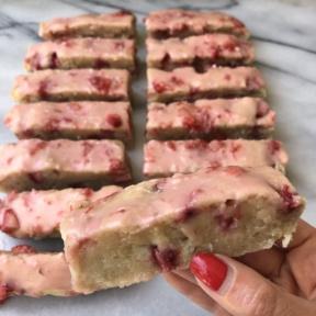 Delicious gluten-free Strawberry Cake Bars