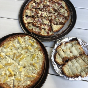 Gluten-free pizza and bread from Hanalei Bay Pizzeria