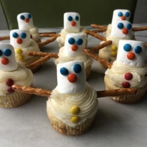 Delicious gluten-free Snowman Cupcakes