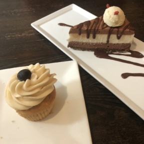 Gluten-free vegan mud pie and cupcake from Suncafe