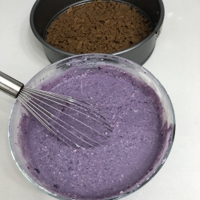 Making Blueberry Cheesecake with blueberry compote