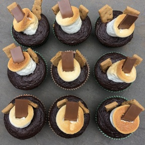 Gluten-free S'mores cupcakes with graham crackers