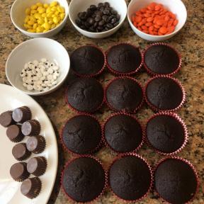 Making gluten-free Turkey Cupcakes for Thanksgiving