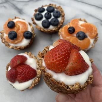 Gluten-free yogurt-filled Banana Honey Oat Cups