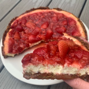 Gluten-free Strawberry Cheesecake with strawberry sauce