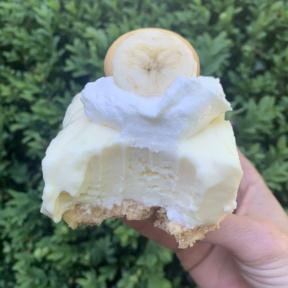 Delicious Banana Pudding Cheesecake Bars